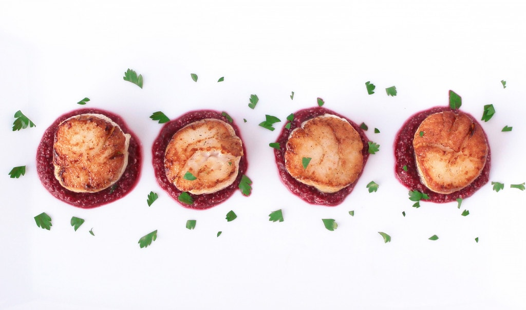 Seared Scallops with Beet & Roasted Garlic Purée