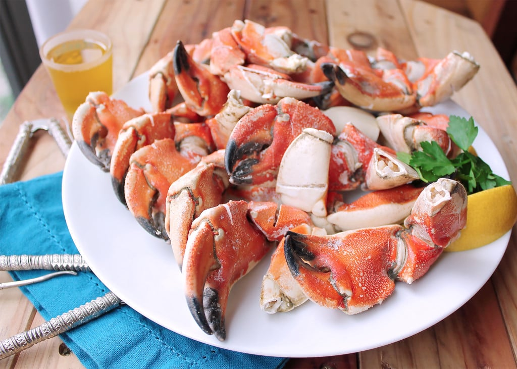 5 Minute Steamed Stone Crab Claws | Kit's Coastal | #kitscoastal #coastalpaleo