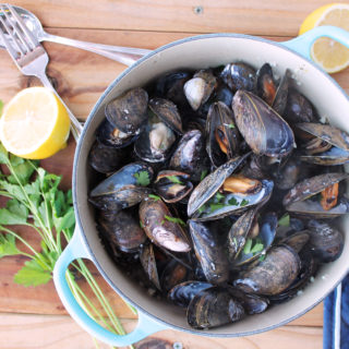 Paleo Mussels in White Wine (Moules Marinière)
