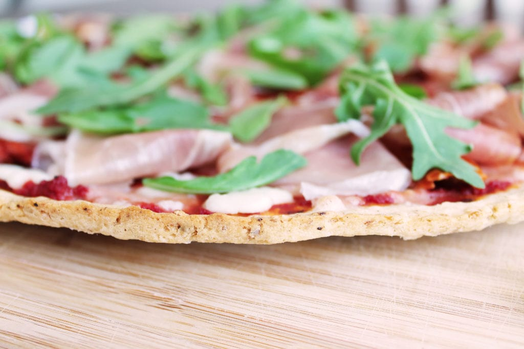 Easy Gluten Free Oatmeal Pizza Crust | Kit's Coastal | #kitscoastal #coastalpaleo #glutenfree #dairyfree #pizza #pizzacrust