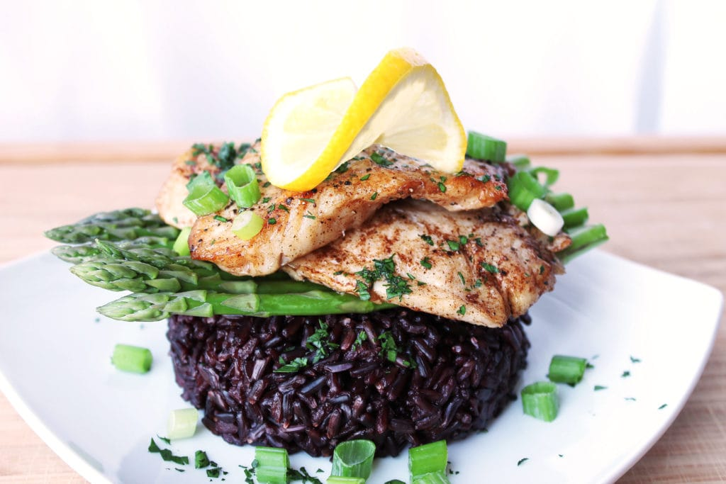 Pan-Seared Sea Bass with Asparagus and Black Rice | Kit's Coastal | #kitscoastal #coastalpaleo #paleo #primal #glutenfree #dairyfree #seabass