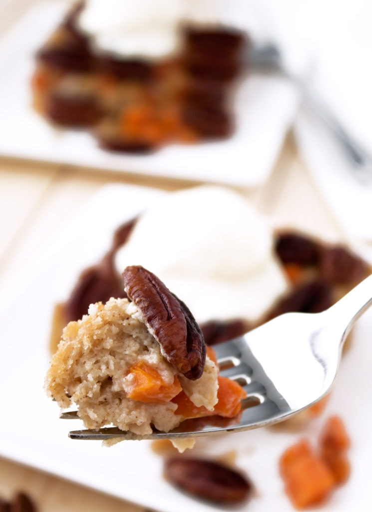 Paleo Pumpkin Pecan Cobbler | Kit's Coastal | #kitscoastal #coastalpaleo #paleo #glutenfree #dairyfree #cobbler