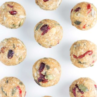 No-bake Oatmeal Breakfast Bites