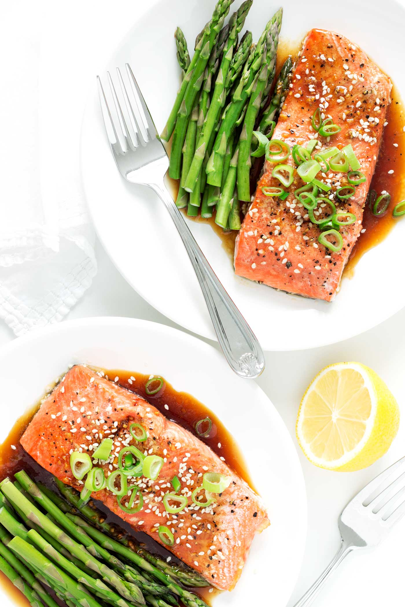 A simple and elegant weeknight meal made in just 25 mins! This honey garlic glazed salmon is full of flavor, gluten free, dairy free, and paleo!